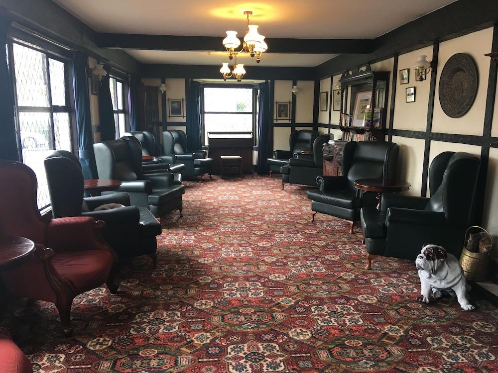 ザ サリー ホテル