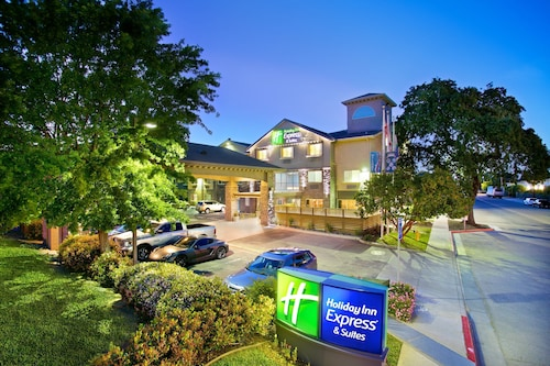 . Holiday Inn Express & Suites Paso Robles