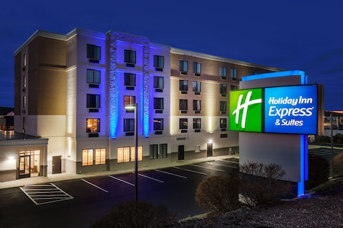 . Holiday Inn Express Hotel & Suites Providence-Woonsocket, an IHG Hotel