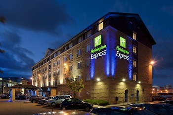 Holiday Inn Express Waterfront