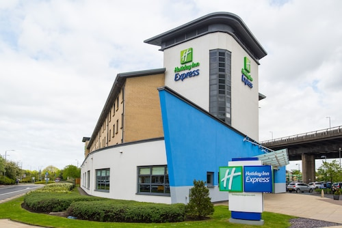 . Holiday Inn Express Glasgow Airport