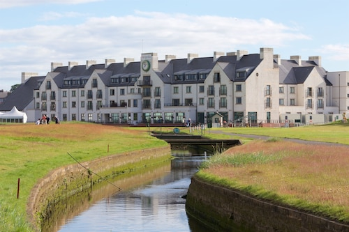 . Carnoustie Golf Hotel