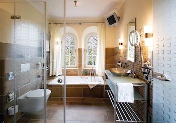 Romantik Hotel Hof zur Linde - Bathroom  - #0