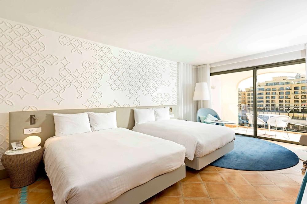 https://i.travelapi.com/hotels/1000000/530000/520500/520403/14429518_z.jpg