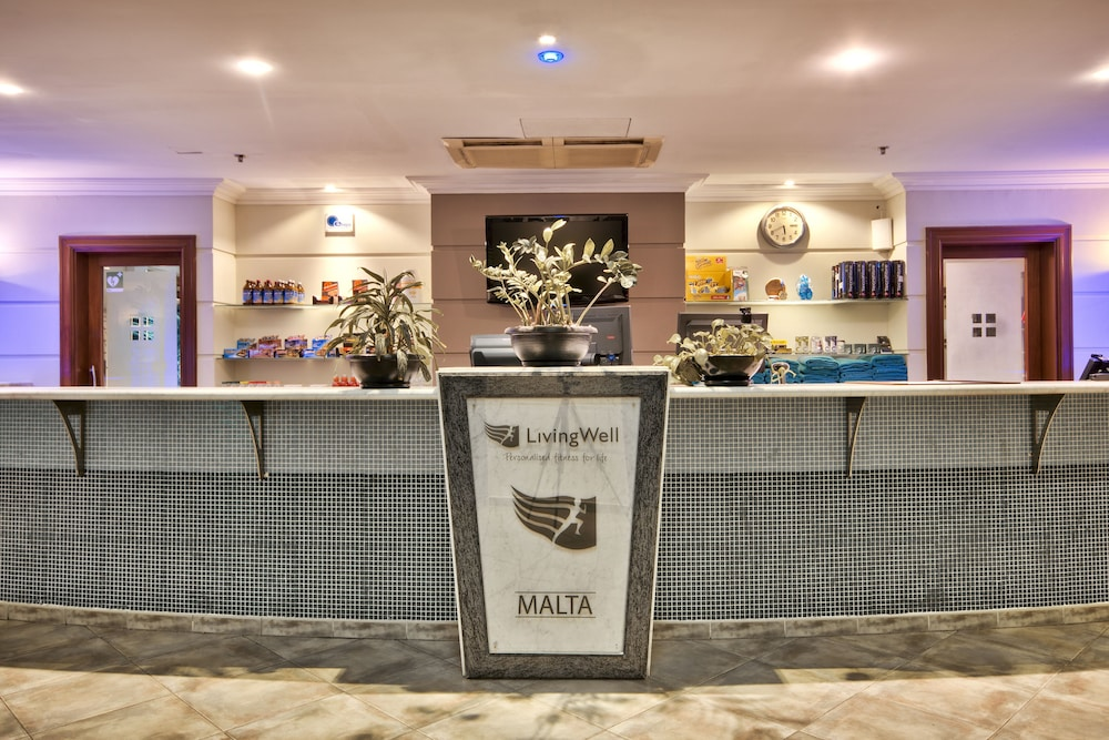 https://i.travelapi.com/hotels/1000000/530000/520500/520403/6cc0b9a3_z.jpg