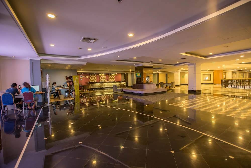 로얄 오키드 괌 호텔(Royal Orchid Guam Hotel) Hotel Image 1 - Lobby Sitting Area