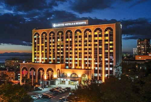 Lotte Hotel, Vladivostok gorsovet
