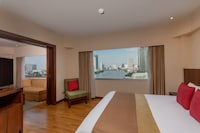 Suite, 1 King Bed, River View (Plaza)