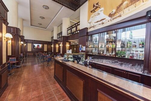 Hotel Dnipro, Shevchenkivs'kyi