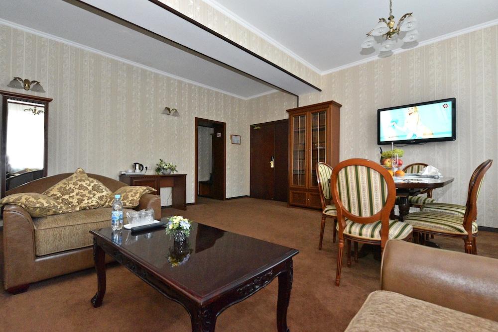 Гостиница «Днипро»