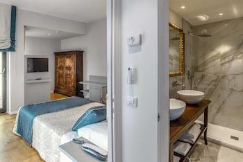 Suite, City View