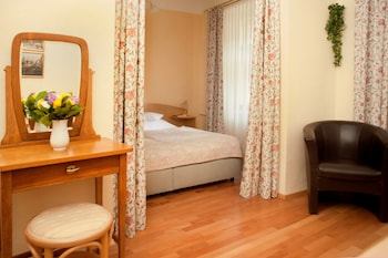 Double Room (Non-Accessible)