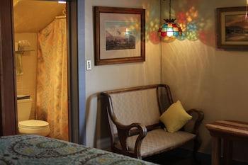 Standard Room, 1 King Bed (Room 2)