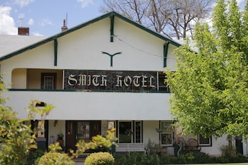 Hotel - Historic Smith Hotel Bed And Breakfast