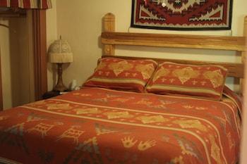 Standard Room, 1 Queen Bed (Room 6)