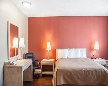 Standard Tower Room, 1 Queen Bed