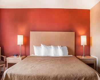 Standard King Room, 1 King Bed, Top Floor