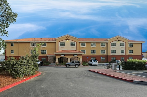 . Extended Stay America Los Angeles - Valencia