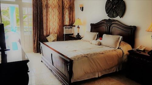 . Hotel Costa Larimar