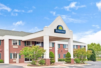 Days Inn & Suites by Wyndham Siler City photo