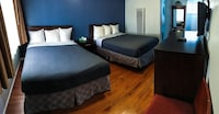 Room, Non Smoking (1 Queen Bed, 3 Twin Beds)