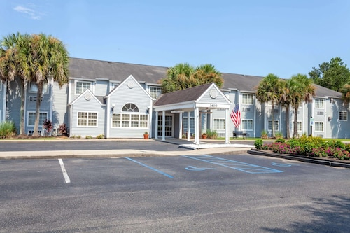 . Microtel Inn & Suites by Wyndham Gulf Shores