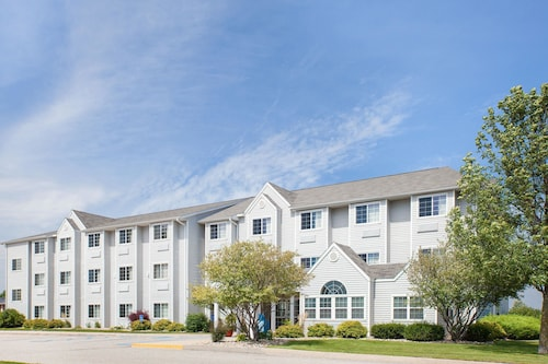 . Microtel Inn & Suites By Wyndham Clear Lake