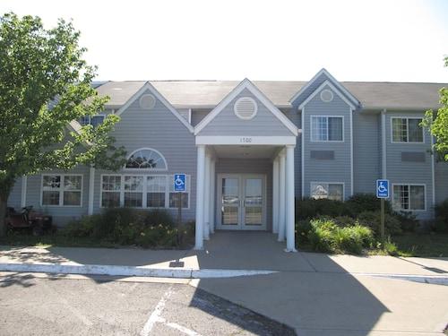 . Americas Best Value Inn & Suites Maryville