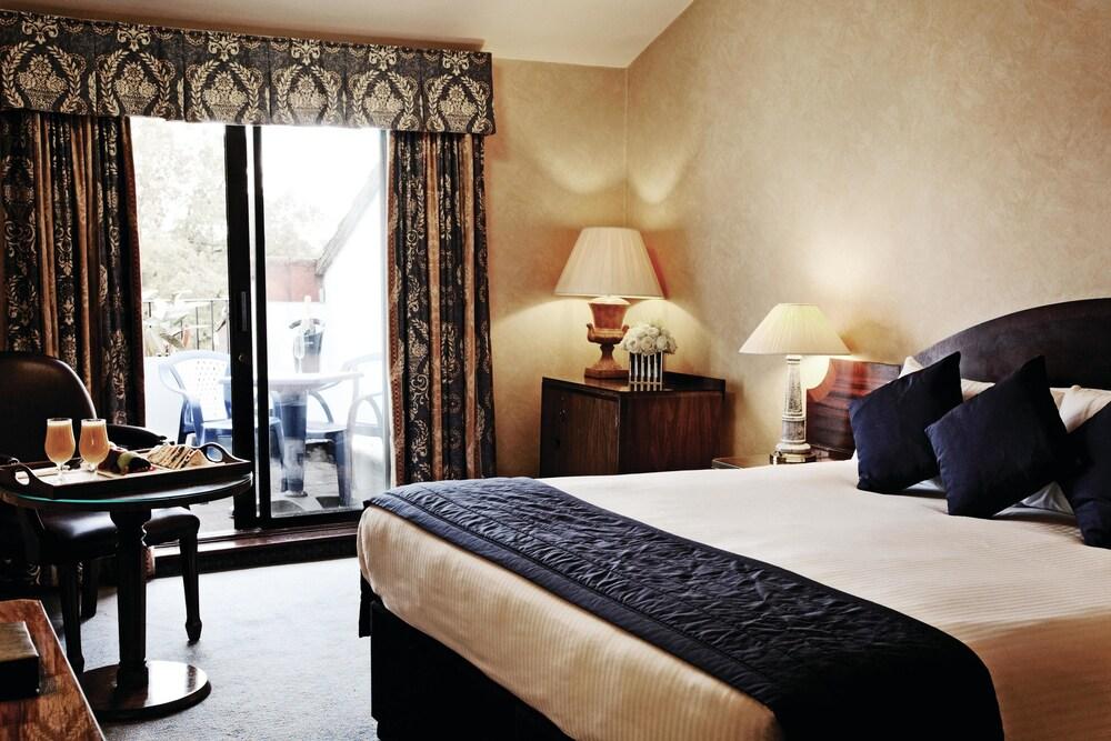 콥톤 호텔 에핑햄 개트윅(Copthorne Hotel Effingham Gatwick) Hotel Image 3 - Guestroom
