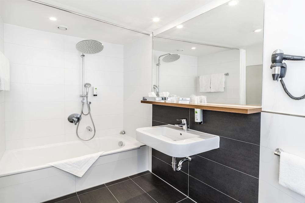 베스트 웨스턴 호텔 트리어 시티(Best Western Hotel Trier City) Hotel Image 16 - Bathroom