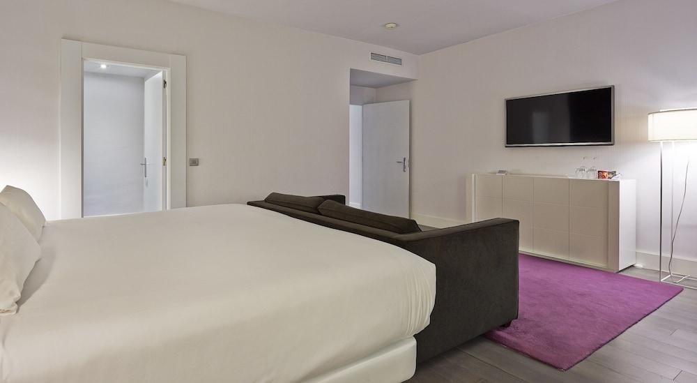 Hotel NH Collection Villa de Bilbao