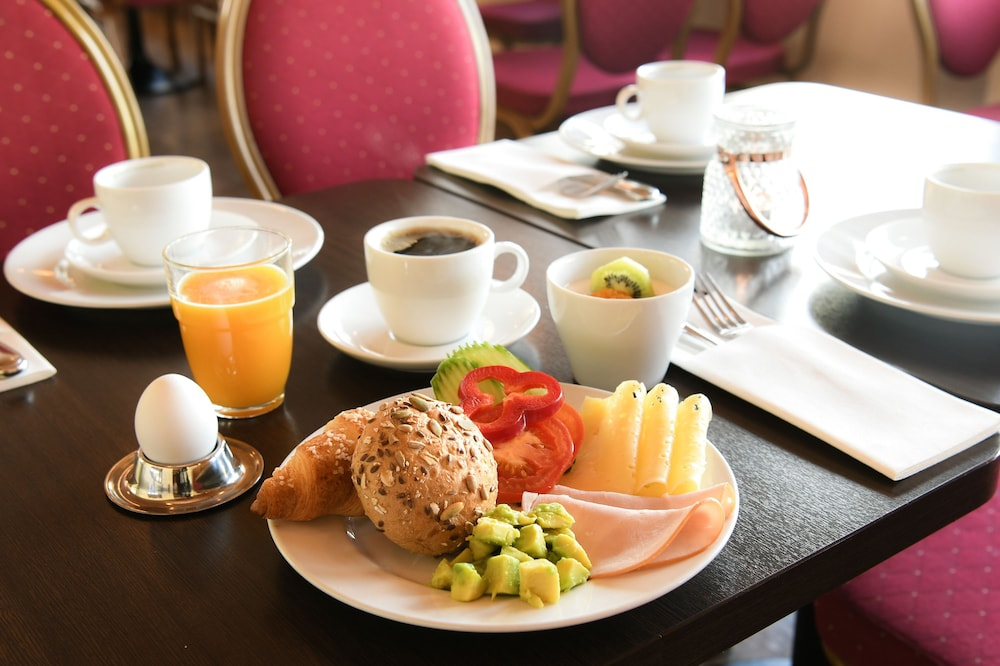 베스트 웨스턴 알란다 호텔바이(Best Western Arlanda Hotellby) Hotel Image 47 - Breakfast Meal
