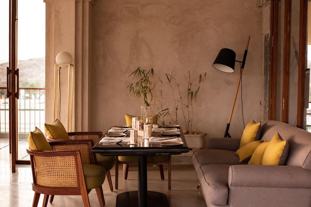 라스 데비가르(RAAS Devigarh) Hotel Image 35 - Restaurant