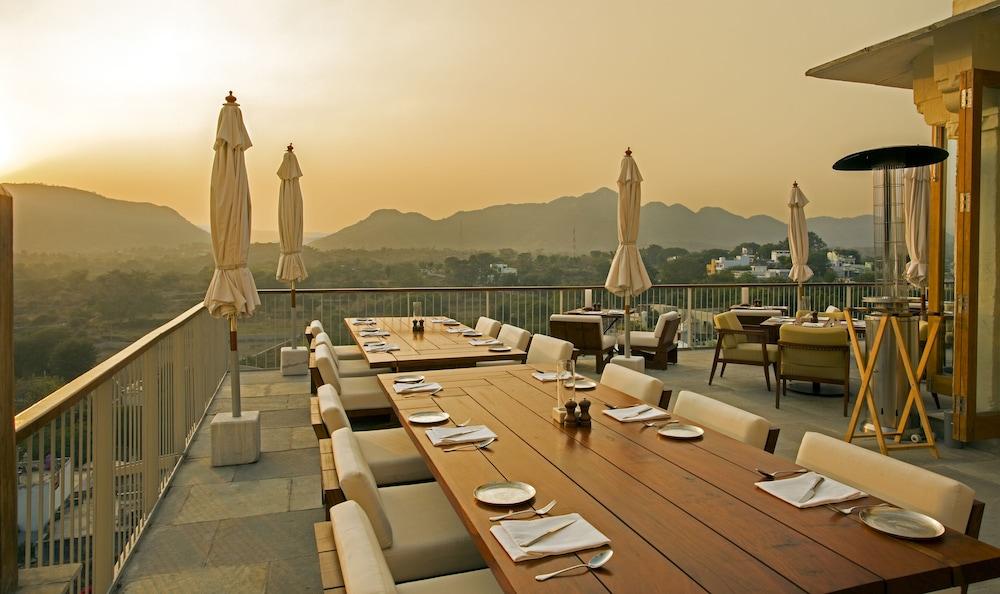 라스 데비가르(RAAS Devigarh) Hotel Image 37 - Restaurant
