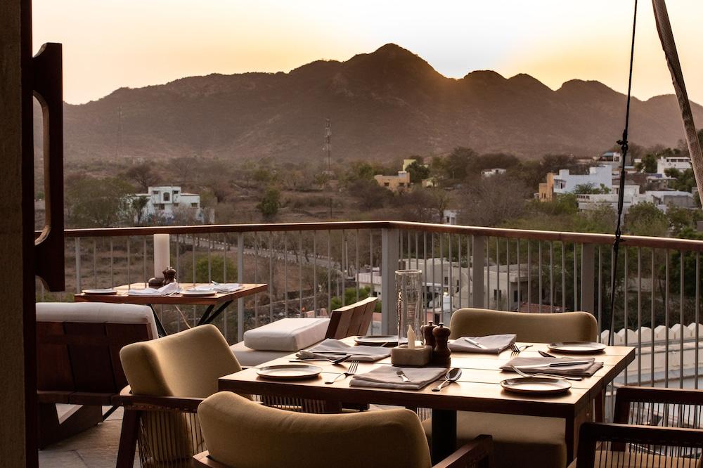 라스 데비가르(RAAS Devigarh) Hotel Image 40 - Restaurant