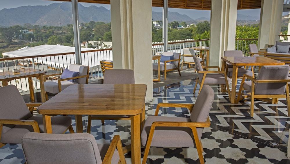 라스 데비가르(RAAS Devigarh) Hotel Image 43 - Restaurant
