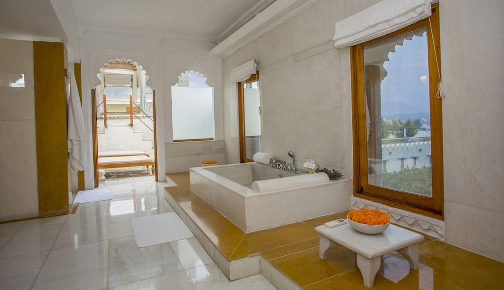 라스 데비가르(RAAS Devigarh) Hotel Image 11 - Guestroom