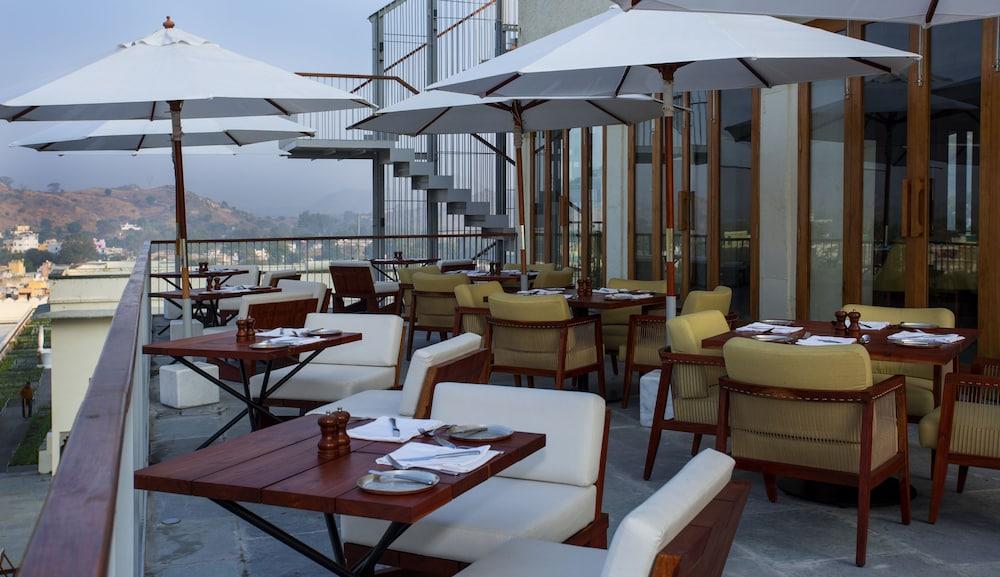 라스 데비가르(RAAS Devigarh) Hotel Image 52 - Restaurant