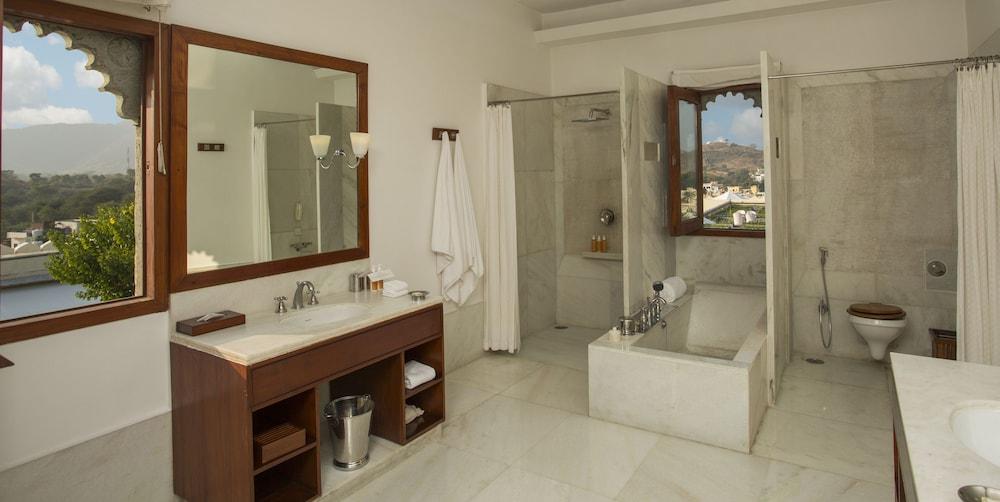 라스 데비가르(RAAS Devigarh) Hotel Image 15 - Guestroom