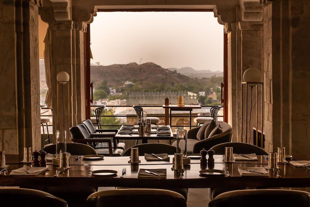 라스 데비가르(RAAS Devigarh) Hotel Image 55 - Restaurant