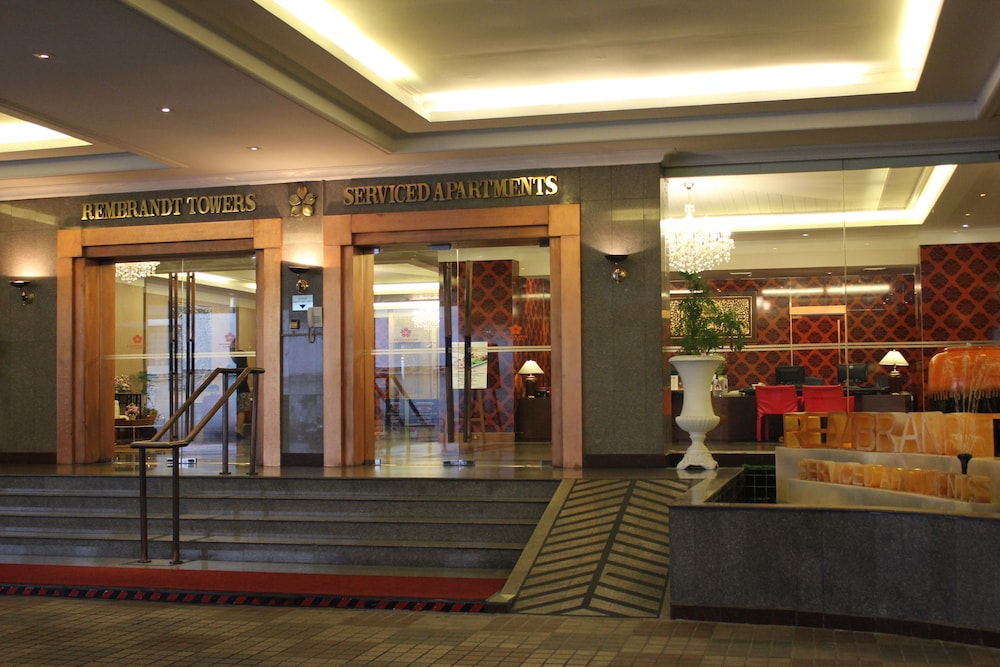 Hotel : Hotel Entrance 1 of 97