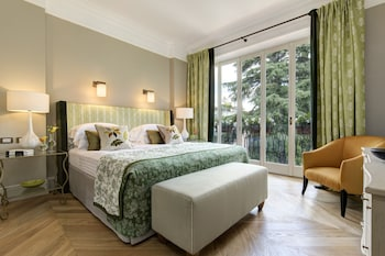 Suite (Valadier)
