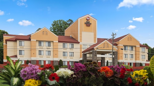 . Best Western Plus Huntersville Inn & Suites Near Lake Norman