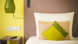 Lounge Plus Room