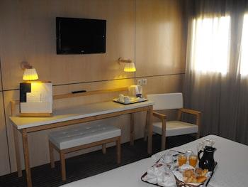 Tek Büyük Veya İki Ayrı Yataklı Oda (child Extra Bed )