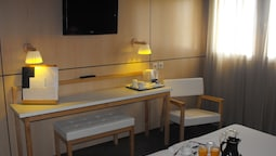 Double Or Twin Room (child Extra Bed )
