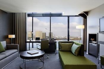 Suite, 1 King Bed, View (Duplex)