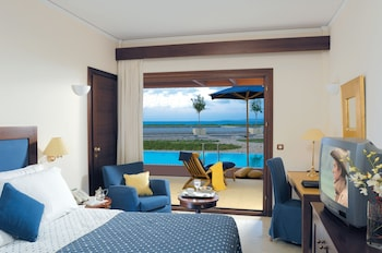 Superior Room, Pool Access, Sea View