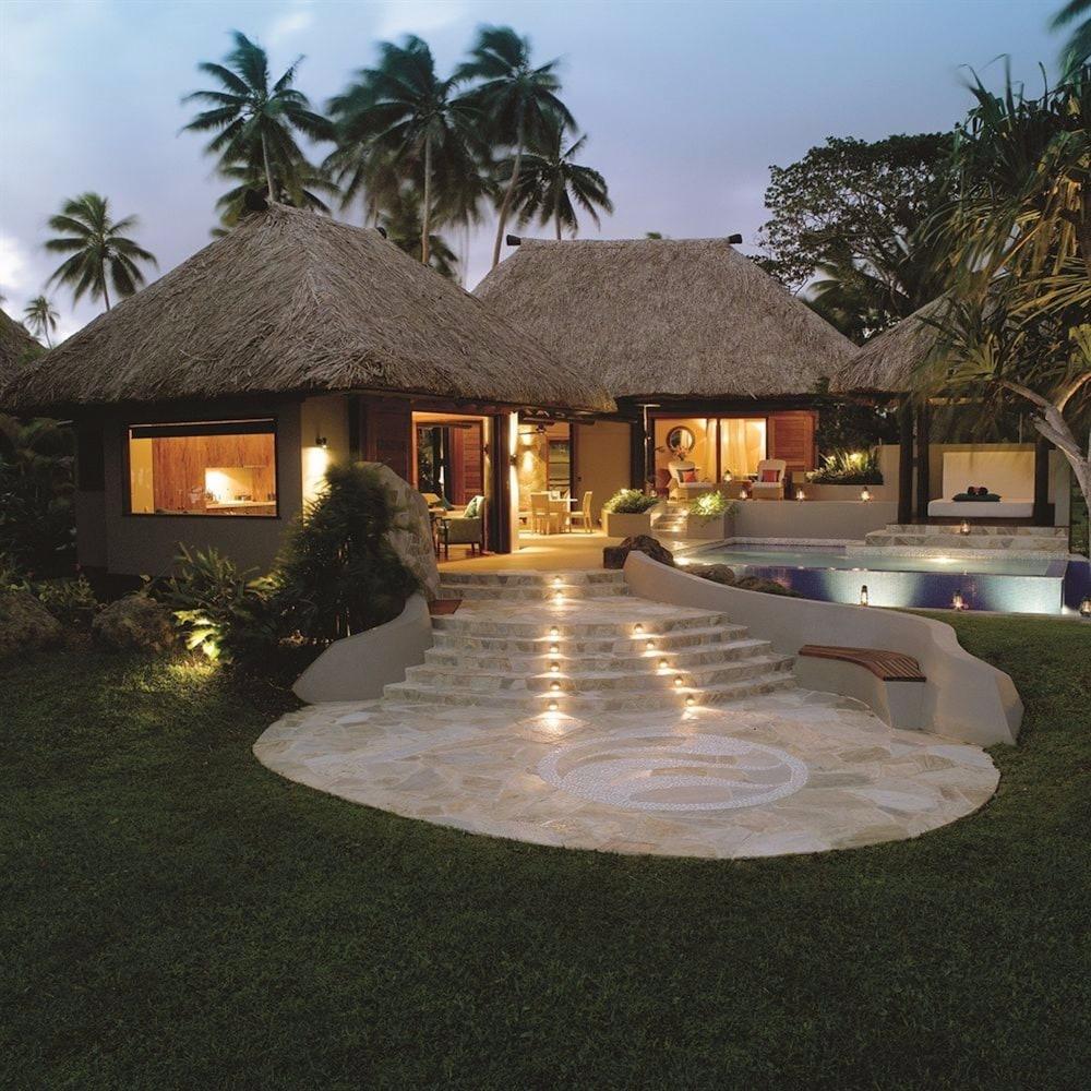 https://i.travelapi.com/hotels/1000000/530000/525500/525486/712d223d_z.jpg