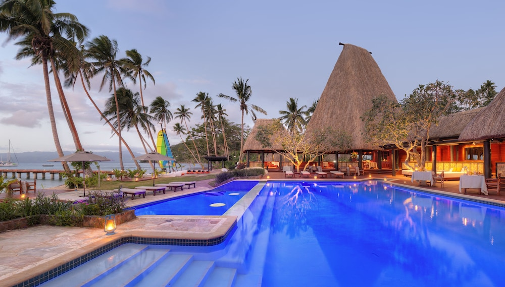https://i.travelapi.com/hotels/1000000/530000/525500/525486/86f7451f_z.jpg